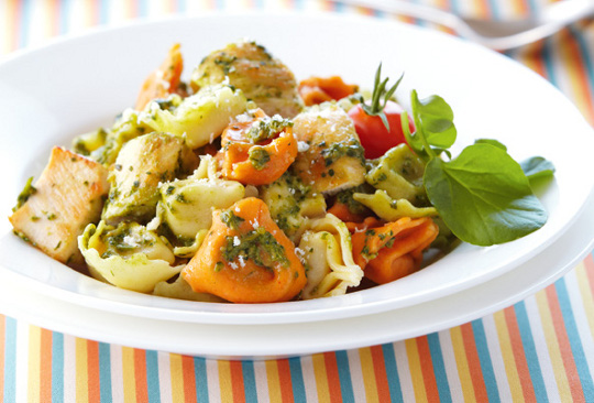 chicken-and-cheese-tortellini-with-pesto