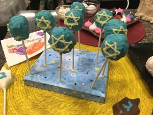 Hanukkah Cake Pops