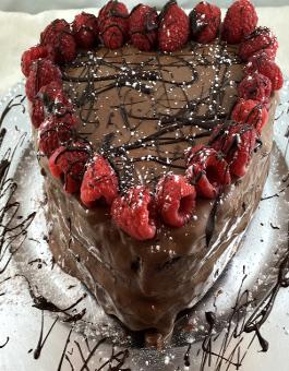 Valentine s day chocolate fudge cake with cream cheese for Chocolate fudge cream cheese frosting
